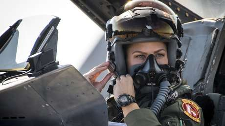 destituyen primera jefa grupo aéreo militar dos semanas