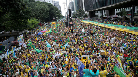 Demonstrators attend a protest against Brazil's President Dilma Rousseff, part of nationwide protests calling for her impeachment, in Sao Paulo, Brazil, March 13, 2016. © Nacho Doce