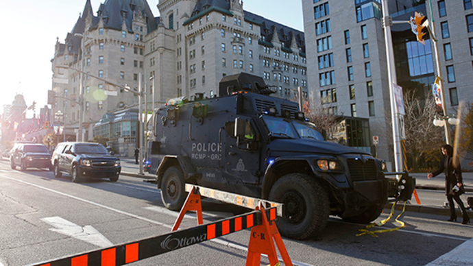 Ottawa attack: Assailant shot dead, police investigate