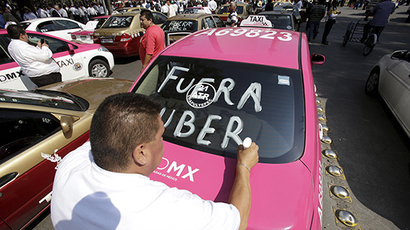 Mexico City taxi drivers get Uber angry