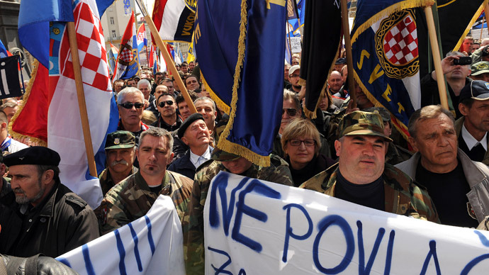 Croatian war veterans gather for a protest in Zagreb's main square on April 7, 2013. (AFP Photo)