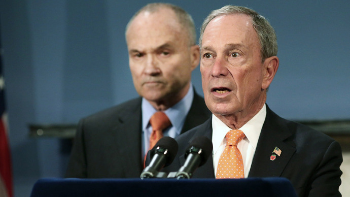 New York City Mayor Michael Bloomberg (R) speaks during a news conference as Police Commissioner Raymond Kelly listens at City Hall announcing that the two men accused of carrying out last week's bombing of the Boston Marathon planned an additional bomb attack on New York's Times Square on April 25, 2013 in New York City (AFP Photo)