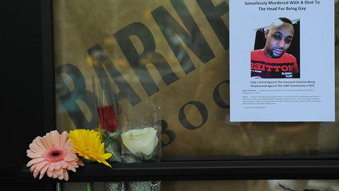 A makeshift shrine is set on the location where Mark Carson, 32, a gay man, was shot dead in what police are calling a hate crime in Greenwich Village in New York, May 20, 2013. (AFP Photo / Emmanuel Dunand)