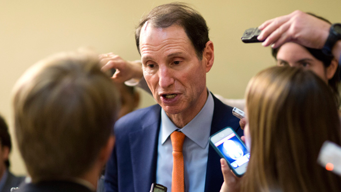 U.S. Senator Ron Wyden (Reuters / Joshua Roberts)