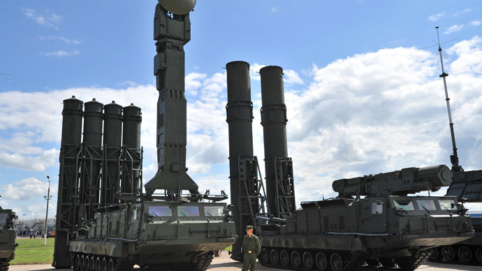 S-300V and S-300VM anti-aircraft long distance missile systems showcased at the 2nd International Forum 'Engineering Technologies 2012' in Zhukovsky outside Moscow. (RIA Novosti/Ramil Sitdikov)