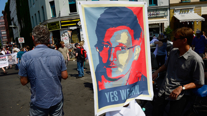 Encrypted email Lavabit used by Snowden shuts to avoid 'complicity in