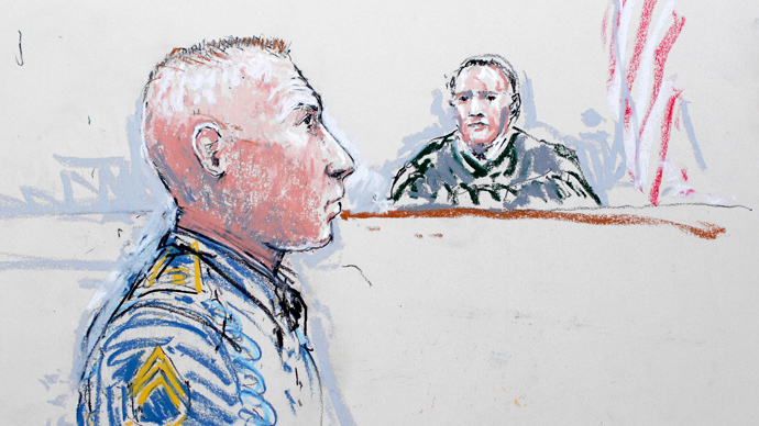 Army Staff Sergeant Robert Bales (L) and Judge Col. Jeffery R. Nance is seen in a courtroom sketch (Reuters / Peter Millett)