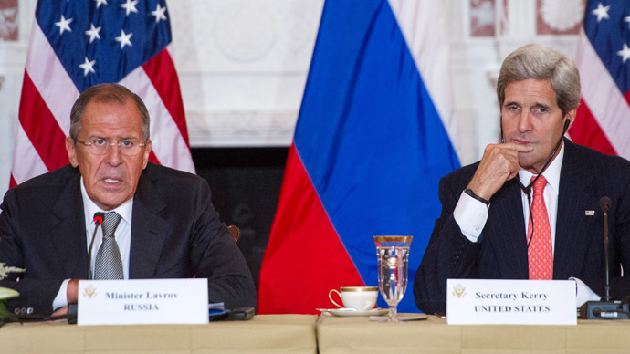 Russian Foreign Minister Sergey Lavrov(L) and US Secretary of State John Kerry (AFP Photo/Paul J. Richards)