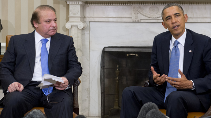 US President Barack Obama and Pakistani Prime Minister Nawaz Sharif (L) hold a meeting in the Oval Office of the White House in Washington, DC, October 23, 2013 (AFP Photo / Saul Loeb)