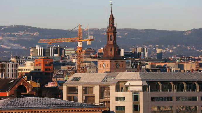 A construction crane is seen along the skyline in Oslo.(Reuters / Suzanne Plunkett )