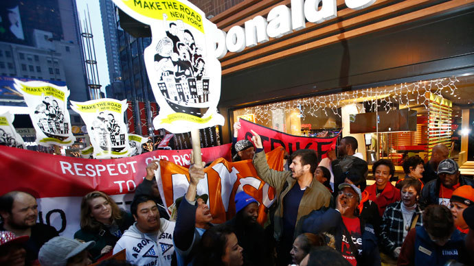 Fast food workers attend a protest against McDonald's outside one of its restaurants in New York December 5, 2013.(Reuters / Eduardo Munoz)