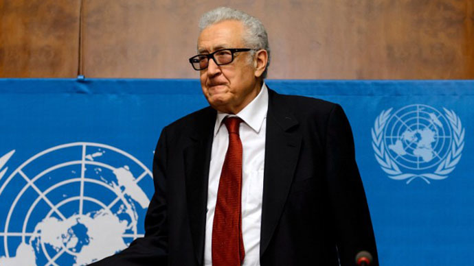 UN-Arab League envoy Lakhdar Brahimi arrives for a press conference following meetings on Syria, on December 20, 2013, at the United Nations offices in Geneva. (AFP Photo / Fabrice Coffrini)