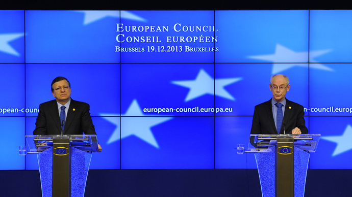European Commission President Jose Manuel Barroso (L) and European Council President Herman Van Rompuy give a press conference as part of an EU summit focused on the common security, Defence policy and Economic and Monetary union, in Brussels on December 19, 2013. (AFP Photo / John Thys)