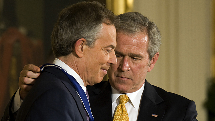 George W. Bush (R) and Tony Blair (L) (AFP Photo / Jim Watson)
