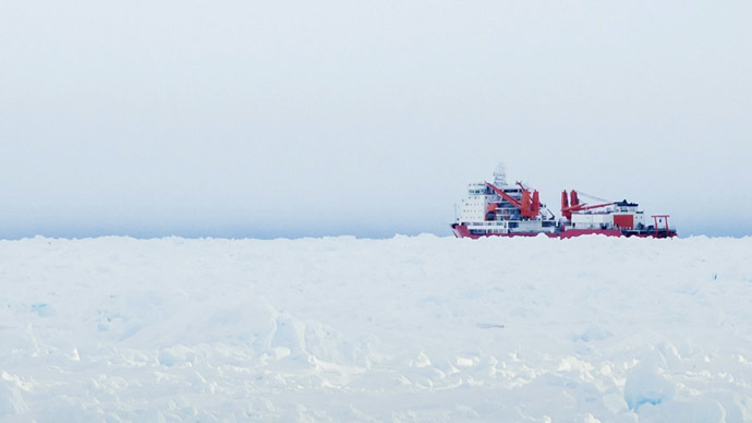 The Xue Long (Snow Dragon) Chinese icebreaker sits in the ice pack unable to get through to the MV Akademik Shokalskiy, in East Antarctica (Reuters/Andrew Peacock)