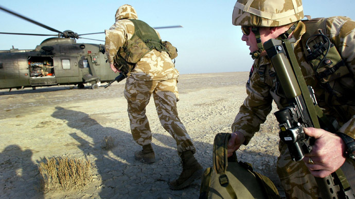 British paratroopers participate in exercises with helicopters from the 845 Royal Navy Squadron in the southern Iraqi city of Basra (AFP Photo)