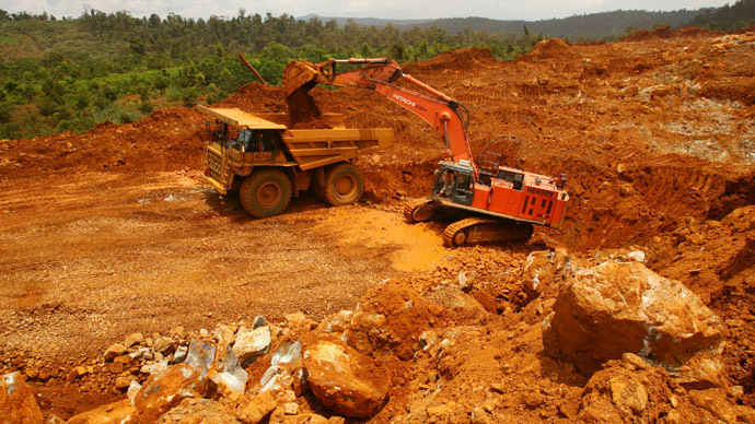 A truck loads earth containing nickel ore on Halmahera island in eastern Indonesia (Reuters/Neil Chatterjee)