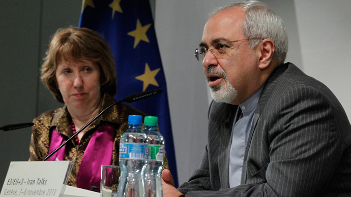 European Union foreign policy chief Catherine Ashton (L) and Iranian Foreign Minister Mohammad Javad Zarif  (AFP Photo / Jason Reed )