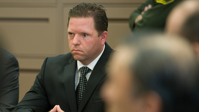 Former Fullerton police officer Jay Cicinelli awaits the verdict to be read in the murder trial of Kelly Thomas in Santa Ana, California January 13, 2014. (Reuters / Mindy Schauer / Pool)