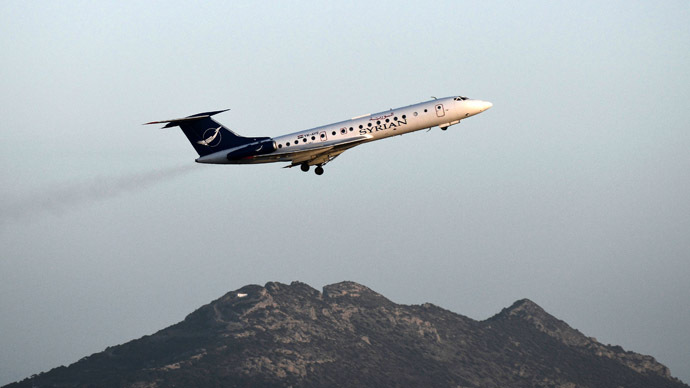 A Syrian Air plane takes off from the Athens International airport on January 21, 2014. (AFP Photo)