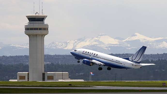 A United Airlines plane takes off at the Calgary International Airport in Calgary. (Reuters / Todd Korol)