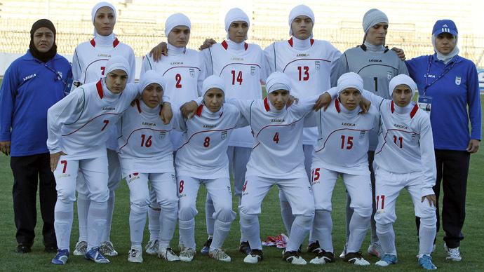 The Iranian women's national soccer team (Reuters/Ali Jarekji)