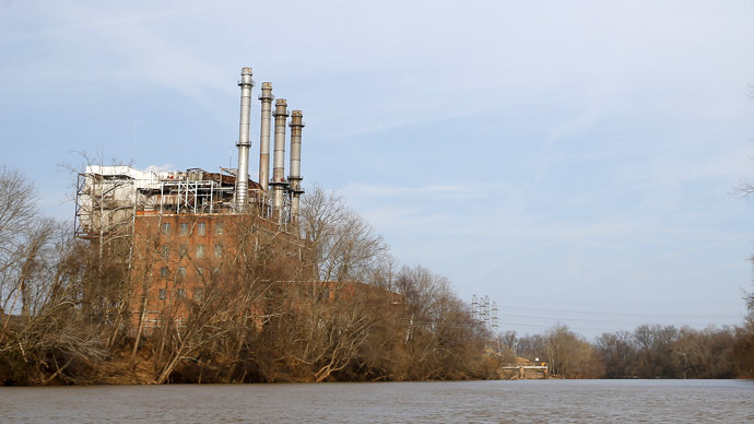 The Duke Energy coal-fired power plant is seen from the Dan River in Eden, North Carolina February 19, 2014. (Reuters/Chris Keane)