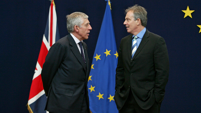 British Prime Minister Tony Blair (R) and British Foreign Secretary Jack Straw (Reuters / Thierry Roge)