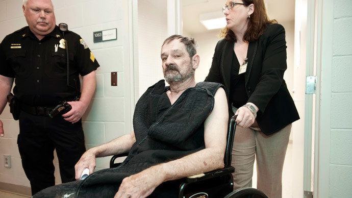 Frazier Glenn Cross, Jr., also known as F. Glenn Miller, appears at his arraignment on capital murder and first-degree murder charges at the Fred Allenbrand Criminal Justice Complex Adult Detention Center in New Century, Kansas April 15, 2014.(Reuters / David Eulitt)