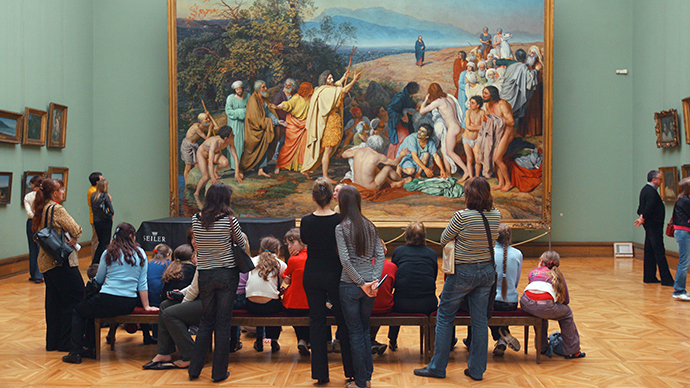 "Visitors before Alexander Ivanov's ""The Appearance of Christ to the People"" at the State Tretyakov Gallery, Moscow. (RIA Novosti / Iliya Pitalev)"