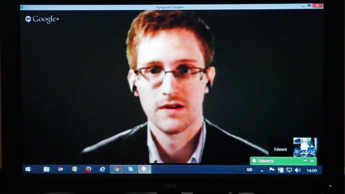Edward Snowden (Reuters / Vincent Kessler)