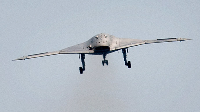 An X-47B pilot-less drone (Reuters / Rich-Joseph Facun)