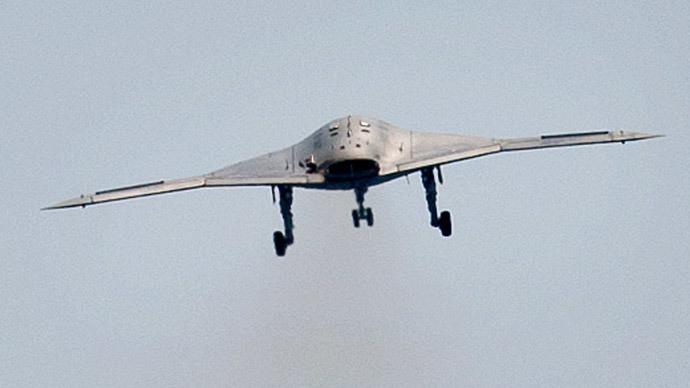 An X-47B pilot-less drone (Reuters / Rich-Joseph Facun)