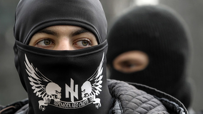 Members of the Ukrainian far-right radical group Right Sector (Reuters/Valentyn Ogirenko)