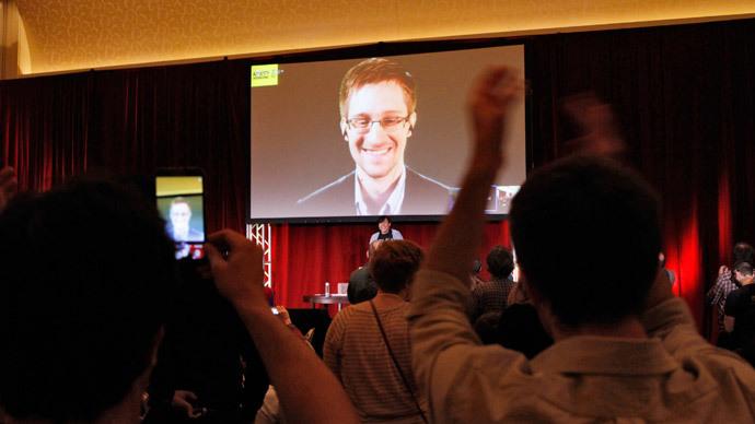Edward Snowden  (Reuters / Frank Polich)