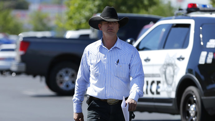 Ryan Bundy, son of rancher Cliven Bundy, arrives to file a criminal complaint against the Bureau of Land Management at the Las Vegas Metropolitan Police Department in Las Vegas, Nevada May 2, 2014. (Reuters/Mike Blake)