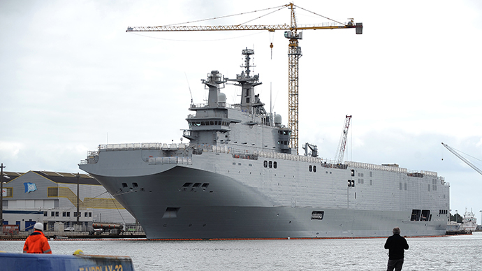 A photo taken on May 9, 2014 in Saint-Nazaire, western France, shows the Vladivostok warship, a Mistral class LHD amphibious vessel ordered by Russia to the STX France shipyard. (AFP Photo / Jean-Sebastien Evrard)