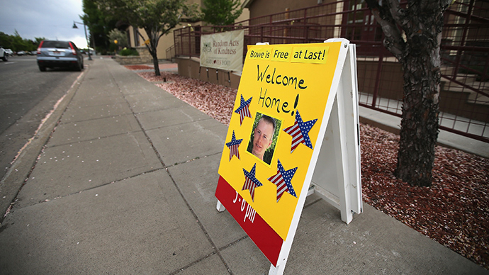 A sign showing support for Sgt. Bowe Bergdahl sits along Main Street on June 2, 2014 in Hailey, Idaho (AFP Photo / Scott Olson)