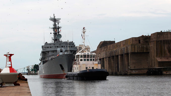 The Russian navy frigate Smolny arrives at the Saint-Nazaire STX Les Chantiers de l'Atlantique shipyard in western France, June 30, 2014.(Reuters / Julie Louise)