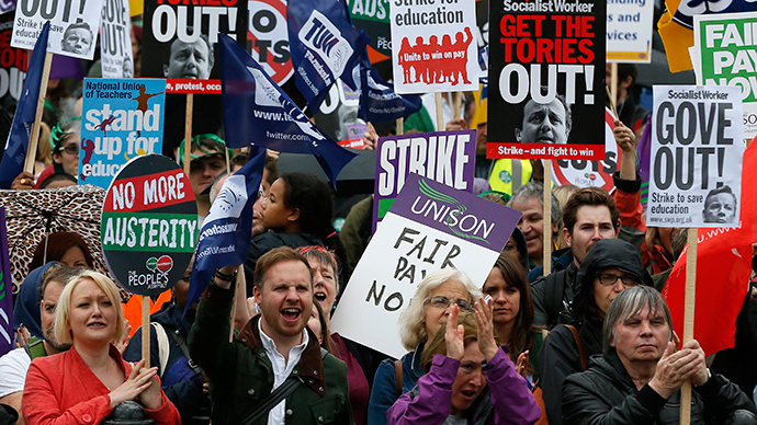 Striking public sector workers protest in Trafalgar Square in central London July 10, 2014 (Reuters / Stefan Wermuth)