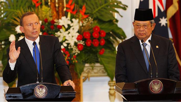Australia's Prime Minister Tony Abbott (L) and Indonesia's President Susilo Bambang Yudhoyono (Reuters / Beawiharta)