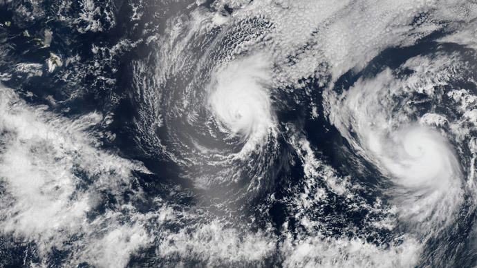 Hurricane Iselle and Hurricane Julio (R) are pictured en route to Hawaii in this August 5, 2014 NASA handout satellite image. Hurricane Iselle is expected to make landfall on Hawaii August 7, 2014.(Reuters / NASA)