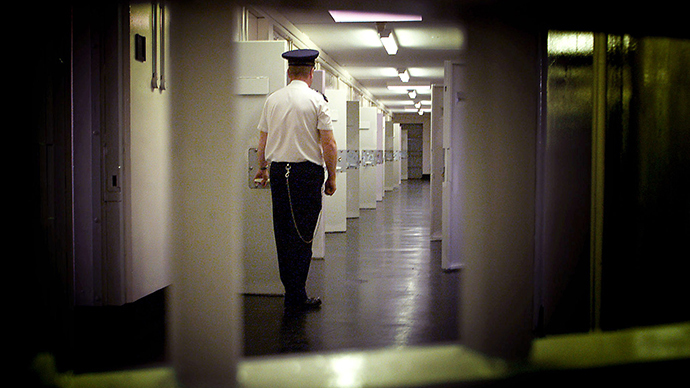 A UK prison has been denounced for locking inmates in cells without running water or electricity for over 48 hours, according to a state report. (Reuters / Paul McErlane)