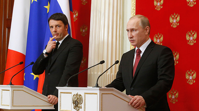 Russian President Vladimir Putin (R) speaks during a news conference with Italian Prime Minister Matteo Renzi following their meeting at the Kremlin in Moscow, March 5, 2015 (Reuters / Sergey Karpukhin)