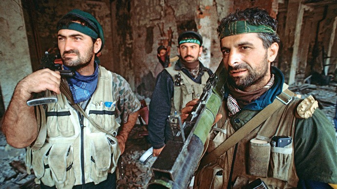 Members of armed Chechen groups who in August 1996 took part in fighting against federal forces in Grozny. (RIA Novosti)