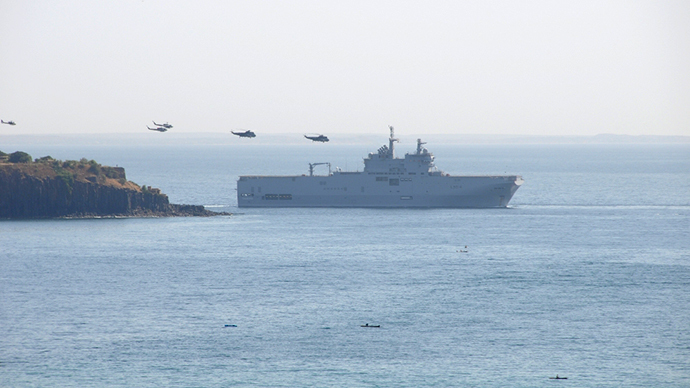 French military exercises over former colony Senegal (Photo by Andre Vltchek)