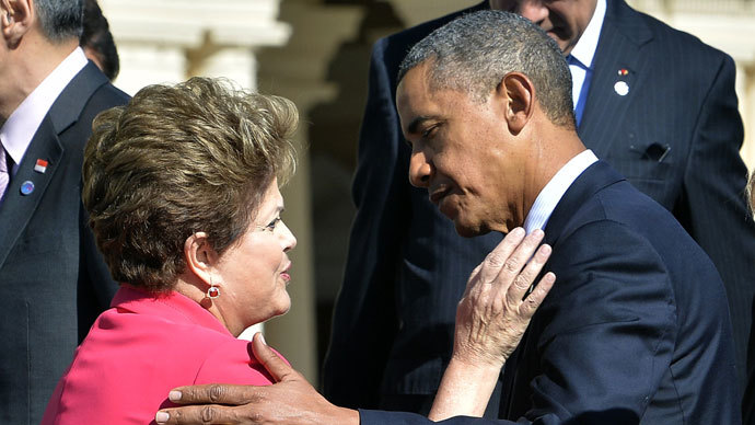 US President Barack Obama (L) greets Brazil's President Dilma Rousseff.(AFP Photo / Jewel Samad)
