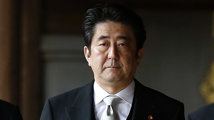 Japan's Prime Minister Shinzo Abe visits Yasukuni shrine in Tokyo December 26, 2013. (Reuters/Toru Hanai)