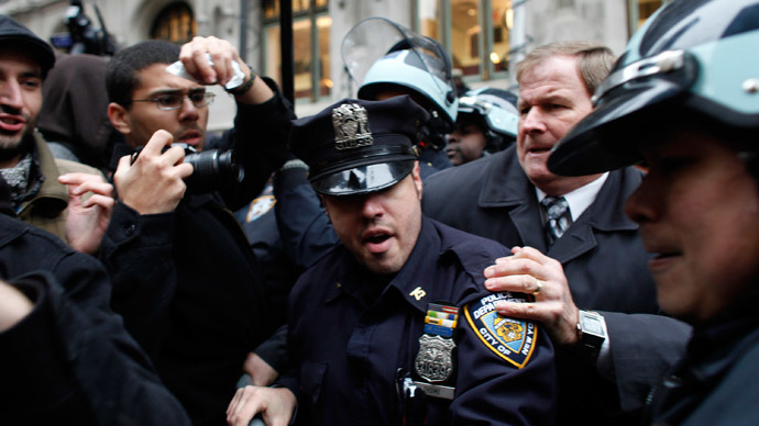 Occupy Wall Street protesters clash with police in Zuccotti Park on November 17, 2011 in New York City.(AFP Photo / Allison Joyce)