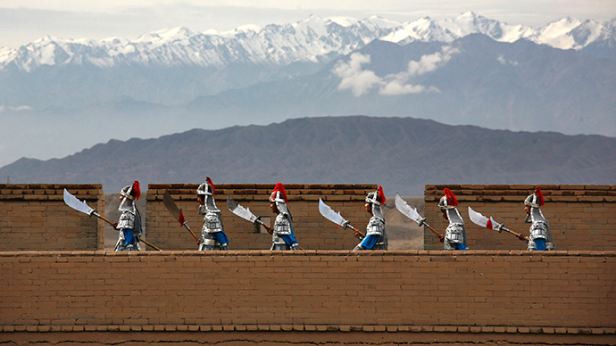 Great Wall of China in Jiayugun, Gansu Province (Reuters / David Gray)